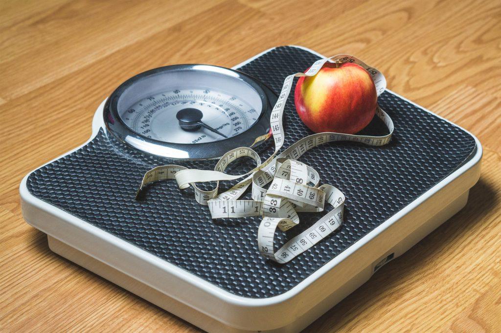 Wage Übergewicht Apfel Maßband